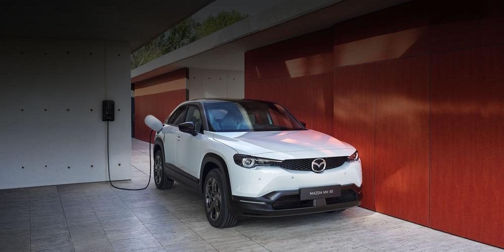 Első találkozás a Mazda MX-30 modellel